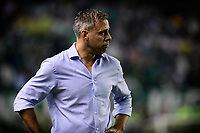 PALMIRA - COLOMBIA, 16-05-2019: Lucas Pusineri técnico del Cali gesticula durante partido entre Deportivo Cali y Atletico Junior por la fecha 2, cudrangulares semifinales, de la Liga Águila I 2019 jugado en el estadio Deportivo Cali de la ciudad de Palmira. / Lucas Pusineri coach of Cali gestures during match between Deportivo Cali and Atletico Junior for the date 2, semifinal quadrangular, as part of Aguila League I 2019 played at Deportivo Cali stadium in Palmira city .  Photo: VizzorImage/ Nelson Rios / Cont