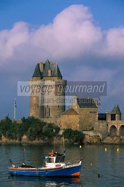 Europe/France/Bretagne/Ille et Vilaine/St Malo/St Servan: la tour Solidor (1382) ancienne prison, à l'intérieur Musée International du Long Cours Cap Hornier