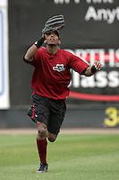 July 6 2009: Roberto Rodriguez of the Yakima Bears before game against the Everett AquaSox at Everett Memorial Stadium in Everett,WA.  Photo by Larry Goren/Four Seam Images