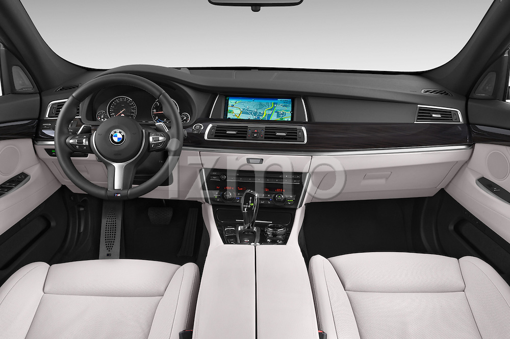 Stock photo of straight dashboard view of2015 BMW SERIES 5 M Sport 2WD AT 5 Door Hatchback 2WD Dashboard