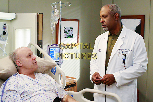 """LOUIS GIAMBALVO, JAMES PICKENS JR..in Grey's Anatomy (season 5 ep 16 """"An Honest Mistake"""") .*Filmstill - Editorial Use Only*.CAP/NFS.Supplied by Capital Pictures."""