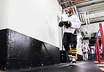 Stockholm 2015-01-04 Ishockey Hockeyallsvenskan AIK - Vita H&auml;sten :  <br /> AIK:s Yared Hagos p&aring; v&auml;g till omkl&auml;dningsrummet i Hovet inf&ouml;r matchen mellan AIK och Vita H&auml;sten <br /> (Foto: Kenta J&ouml;nsson) Nyckelord:  AIK Gnaget Hockeyallsvenskan Allsvenskan Hovet Johanneshov Isstadion Vita H&auml;sten portr&auml;tt portrait inomhus interi&ouml;r interior