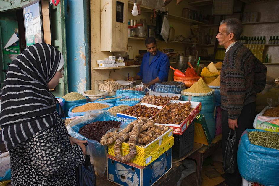 Afrique/Afrique du Nord/Maroc/Rabat: dans la médina détail de l'étal du marchand d'épices et de légumes secs