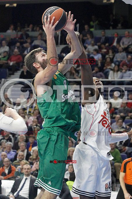 Real Madrid's Marcus Slaughter (r) and Panathinaikos Athens' Antonis Fotsis during Euroleague match.January 22,2015. (ALTERPHOTOS/Acero) /NortePhoto<br />