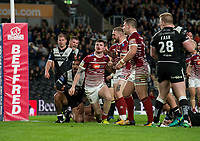 Picture by Allan McKenzie/SWpix.com - 08/09/2017 - Rugby League - Betfred Super League - The Super 8's - Hull FC v Wigan Warriors - KC Stadium, Kingston upon Hull, England - WIgan's John Bateman scores the final try of the game against Hull FC to confirm victory.