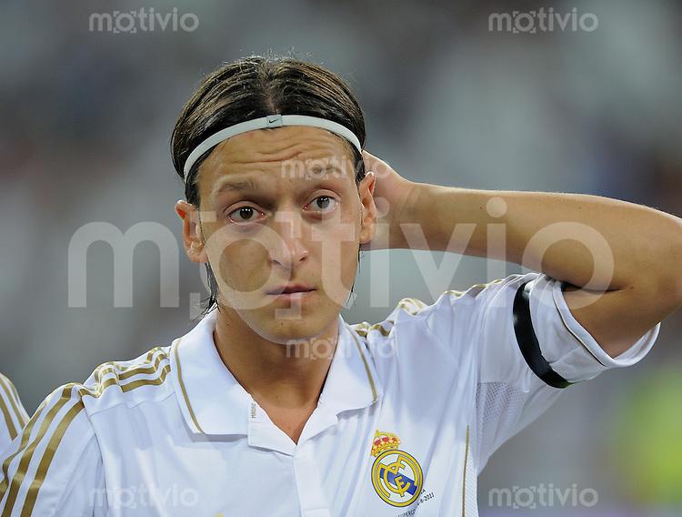 FUSSBALL  INTERNATIONAL  PRIMERA DIVISION  SAISON 2011/2012   14.08.2011 El Clasico  Super Cup 2011 Real Madrid - FC Barcelona Mesut Oezil (Real Madrid)