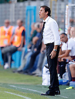 Calcio, Serie A: Frosinone vs Roma. Frosinone, stadio Comunale, 12 settembre 2015.<br /> Roma&rsquo;s coach Rudi Garcia gives indications to his players  during the Italian Serie A football match between Frosinone and Roma at Frosinone Comunale stadium, 12 September 2015.<br /> UPDATE IMAGES PRESS/Riccardo De Luca