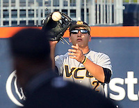 VCU outfielder Bill Cullen (2) makes a catch during the game Tuesday night against Virginia at Davenport Stadium in Charlottesville, VA. Photo/The Daily Progress/Andrew Shurtleff