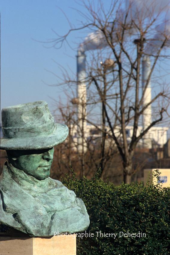 Issy Les Moulineaux, 1999, buste de Jean Moulin