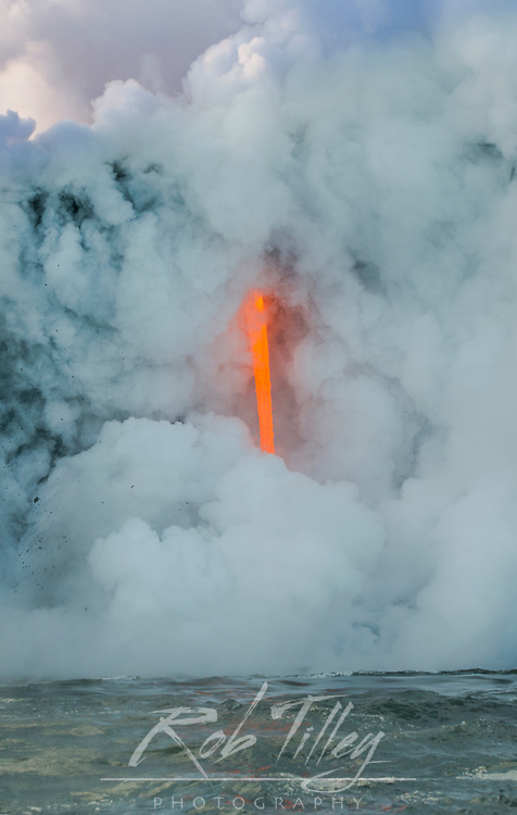USA, HI, Big Island, Vocanoes NP, The Firehose (Lava from Kileuea Volcano flowing directly into the Pacific Ocean)