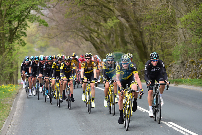 The peloton with Direct Energie on the front during Stage 3 of the Tour de Yorkshire 2017 running 194.5km from Bradford/Fox Valley to Sheffield, England. 30th April 2017. <br /> Picture: ASO/P.Ballet | Cyclefile<br /> <br /> <br /> All photos usage must carry mandatory copyright credit (&copy; Cyclefile | ASO/P.Ballet)