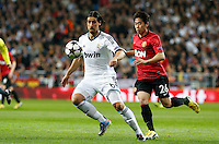 Real Madrid's Sami Khedira (l) and Manchester United's Shinji Kagawa during Champions League 2012/2013 match.February 12,2013. (ALTERPHOTOS/Alfaqui/Alex Cid-Fuentes)