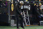 01.12.2018, Signal Iduna Park, Dortmund, GER, DFL, BL, Borussia Dortmund vs SC Freiburg, DFL regulations prohibit any use of photographs as image sequences and/or quasi-video<br /> <br /> im Bild Lucien Favre (Borussia Dortmund) notiert die Szene<br /> <br /> Foto © nordphoto/Mauelshagen