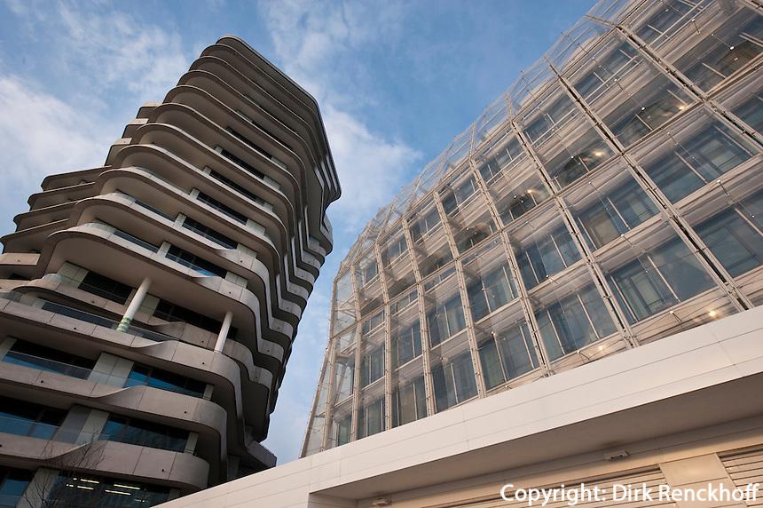 Deutschland, Hamburg, Strandkai 1, Unilever Haus, erbaut vom Archtekturbüro Behnisch, Energiesparhaus, daneben der Marco Polo Tower