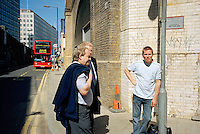 UNITED KINGDOM / London / Borough of Southwark / June 2006..A street scene near Waterloo Station...© Davin Ellicson / Anzenberger
