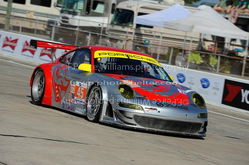 #45 (GT2) Flying Lizard Motorsports Porsche 911 GT3 RSR, Jorg Bergmeister, Patrick Long & Marc Lieb