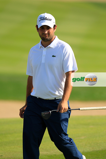 Alexander Levy (FRA) on the 1st green during Friday's Round 2 of the Abu Dhabi HSBC Golf Championship 2015 held at the Abu Dhabi Golf Course, United Arab Emirates. 16th January 2015.<br /> Picture: Eoin Clarke www.golffile.ie