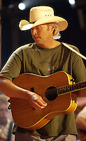 Alan Jackson rehearsals at the first ever CMT Flameworthy Video Music Awards at the Gaylord Entertainment Center in Nashville Tennesee. 6/12/02<br /> Photo by Rick Diamond/PictureGroup.