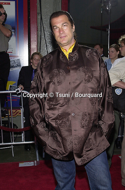 Steven Seagal arriving at the Rush Hour premiere  at the Chinese Theatre in Los Angeles  July 27, 2001            -            SeagalSteven05.jpg