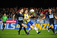VOETBAL: LEEUWARDEN: Cambuur Stadion, 27-04-2012, SC Cambuur - Telstar, Jupiler League, Eindstand 3-1, Nick Kuipers (#15 Telstar), Sicco Bouwer (#24 Cambuur), ©foto Martin de Jong