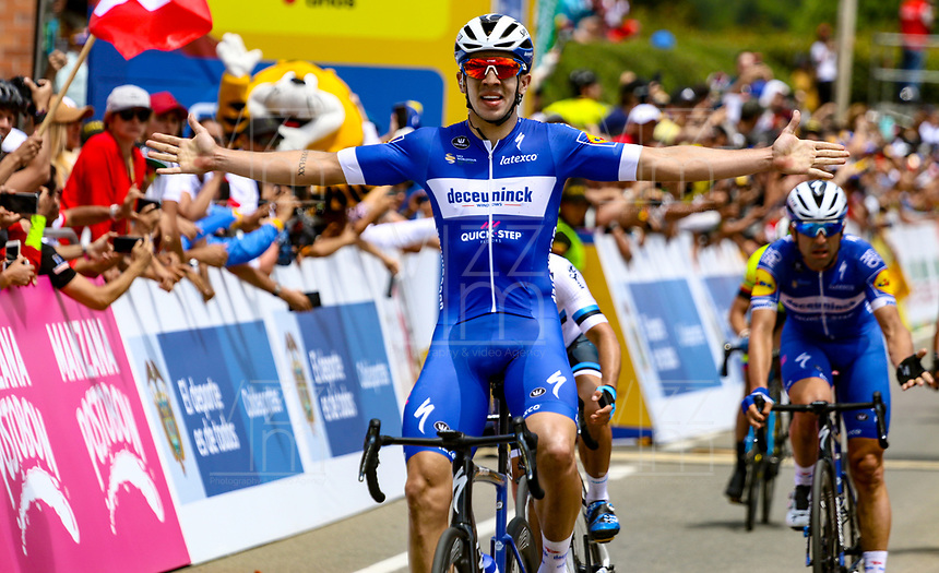MEDELLIN - COLOMBIA, 13-02-2019: Alvaro HODEG (COL), Deceuninck - Quick Step Floors, pasa victorioso la meta de la segunda etapa del Tour Colombia 2.1 2019 con un recorrido de 150.5 Km, que se corrió entre La Ceja Canadá - Carmen de Viboral - Rionegro - Canadá - La Ceja. / Alvaro HODEG (COL), Deceuninck - Quick Step Floors, cross victorious the finish line of  the second stage of 150.5 km of Tour Colombia 2.1 2019 that ran through La Ceja Canada - Carmen de Viboral - Rionegro - Canada - La Ceja.  Photo: VizzorImage / Anderson Bonilla / Cont