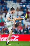 Gareth Bale of Real Madrid warms up prior to the La Liga 2018-19 match between Real Madrid and Getafe CF at Estadio Santiago Bernabeu on August 19 2018 in Madrid, Spain. Photo by Diego Souto / Power Sport Images