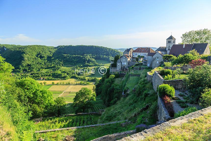 France, Jura (39), Château-Chalon, classé dans Les Plus Beaux Villages de France, le matin