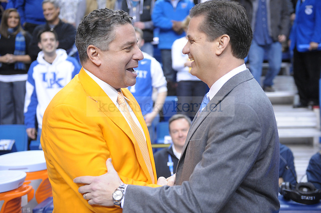 UK Head Coach John Calipari shakes Coach Bruce Pearl's hand during the first half of the University of Kentucky Men's basketball game against Tennessee at Rupp Arena in Lexington, Ky., on 2/8/11. Uk led at half 35-28. Photo by Mike Weaver | Staff