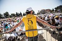 Campobasso 05/07/2014: Papa Francesco Bergoglio visita il Molise. Nella foto durante credenti durante la celebrazione della messa a Campobasso.<br /> <br /> <br /> Campobasso (Molise) Italy: Pope Francis visits the small region of Italy. In the picture during the visit to Campobasso