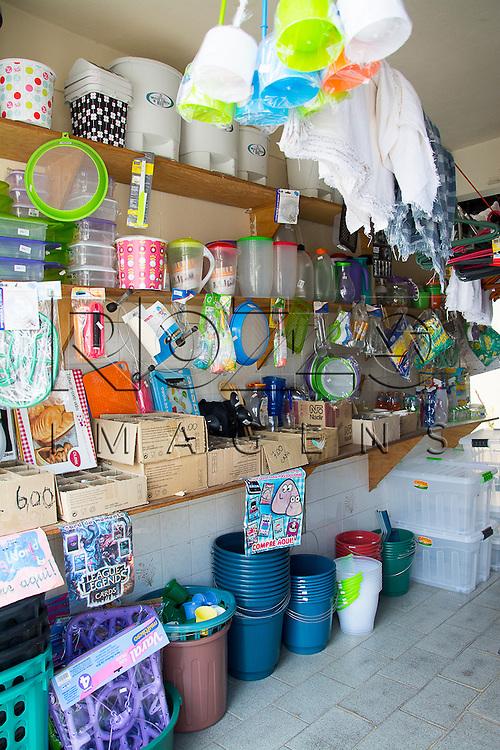 Loja com diversos utensílios, São Paulo - SP, 04/2015.