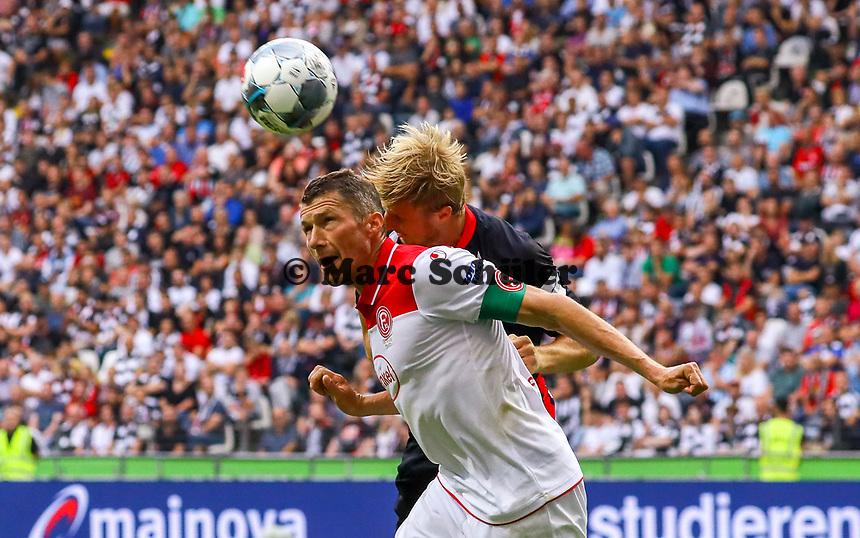 Kopfballduell Oliver Fink (Fortuna Düsseldorf) gegen Martin Hinteregger (Eintracht Frankfurt) - 01.09.2019: Eintracht Frankfurt vs. Fortuna Düsseldorf, Commerzbank Arena, 3. Spieltag<br /> DISCLAIMER: DFL regulations prohibit any use of photographs as image sequences and/or quasi-video.