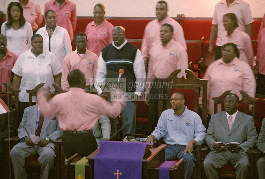 Iles Bahamas / New Providence et Paradise Island / Nassau: lors d'une messe chantée à là l'église Zion Baptiste sur Shirley Street - Chorale