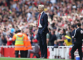 9th September 2017, Emirates Stadium, London, England; EPL Premier League Football, Arsenal versus Bournemouth; Arsenal manager Arsene Wenger shouting at his players from the touchline
