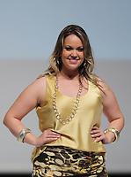 SAO PAULO, SP, 21.07.2013 - FWPS - VERÃO 2013/14 -  Modelo durante desfile da grife Cosma no Fashion Weekend Plus Size no Memorial da América Latina região oeste de São Paulo, neste domingo, 21 (Foto: Vanessa Carvalho / Brazil Photo Press).