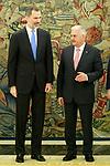 King Felipe VI of Spain (l) receives Turkish Prime Minister Binali Yildirim at the Zarzuela Palace. April 25,2015. (ALTERPHOTOS/Acero)