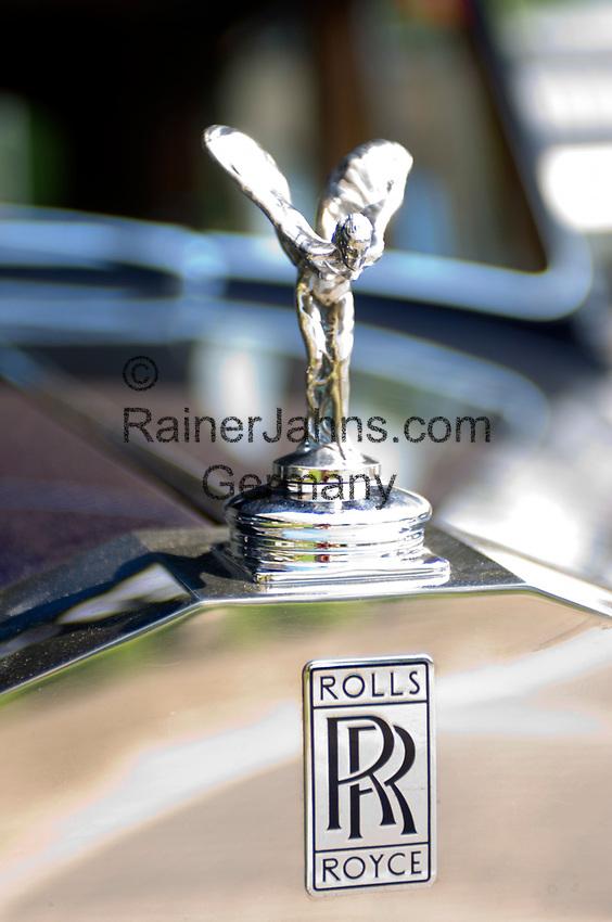 CHE, SCHWEIZ, Kanton Bern, Berner Oberland, Interlaken: Rolls Royce Kuehlerfigur - Spirit of Ecstasy - Emily  CHE, Switzerland, Bern Canton, Bernese Oberland, Interlaken: Rolls Royce hood ornament - Spirit of Ecstasy - Emily