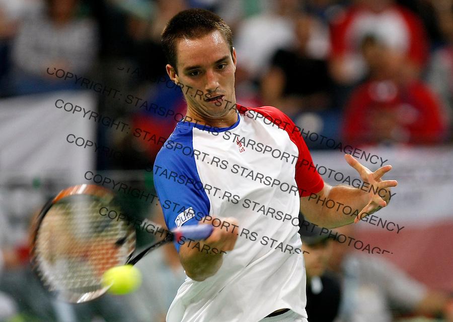 Tenis, Davis Cup 2010.Serbia Vs. Czech Republic, semifinals.Viktor Troicki Vs. Radek Stepanek.Viktor Troicki, returns.Beograd, 17.09.2010..foto: Srdjan Stevanovic/Starsportphoto ©