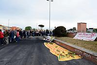 Roma, 10 Maggio 2017<br />  Cittadine e cittadini si radunano in Via Guattari luogo dove tre sorelle Rom sono state uccise nel rogo del Camper.<br /> Manifestazione su Viale della Primavera