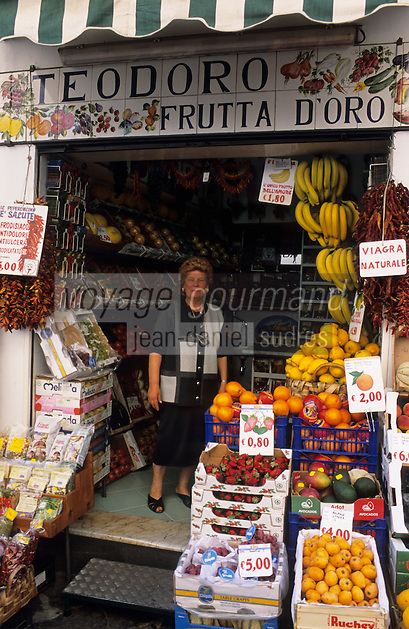 Europe/Italie/Côte Amalfitaine/Campanie/Amalfi : Boutique de fruits et légumes