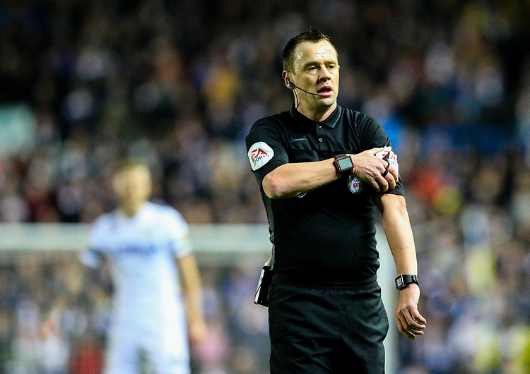 Referee Stuart Attwell<br /> <br /> Photographer Alex Dodd/CameraSport<br /> <br /> The EFL Sky Bet Championship - Leeds United v Norwich City - Saturday 2nd February 2019 - Elland Road - Leeds<br /> <br /> World Copyright © 2019 CameraSport. All rights reserved. 43 Linden Ave. Countesthorpe. Leicester. England. LE8 5PG - Tel: +44 (0) 116 277 4147 - admin@camerasport.com - www.camerasport.com