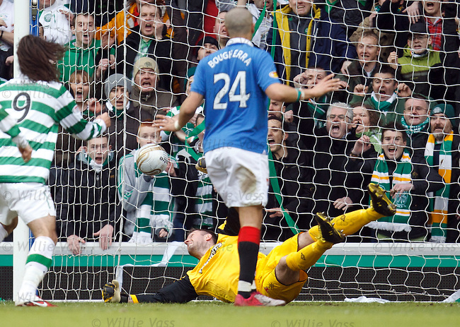 Allan McGregor despairs as Scott Brown's shot ends up in the back of the net for Celtic second equaliser