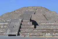 Città del Messico, Dicembre 2010.Le rovine e le Piramidi di Teotihuacan, la città degli Dei.La piramide del Luna..Mexico City, December 2010.The ruins and the pyramids of Teotihuacan, the city of the Gods.Pyramid of the Moon.
