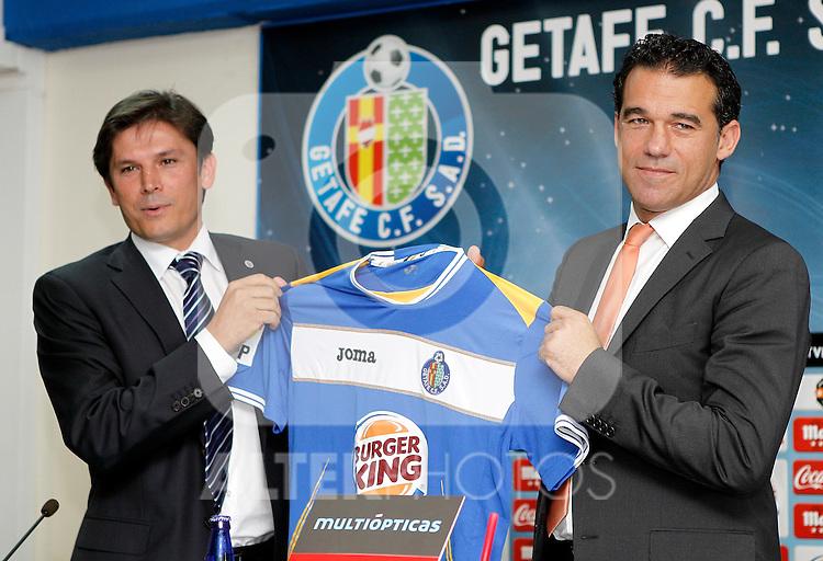Getafe's general manager Toni Munoz and new coach Luis Garcia during his official presentation. June 09, 2011. (ALTERPHOTOS/Alvaro Hernandez)