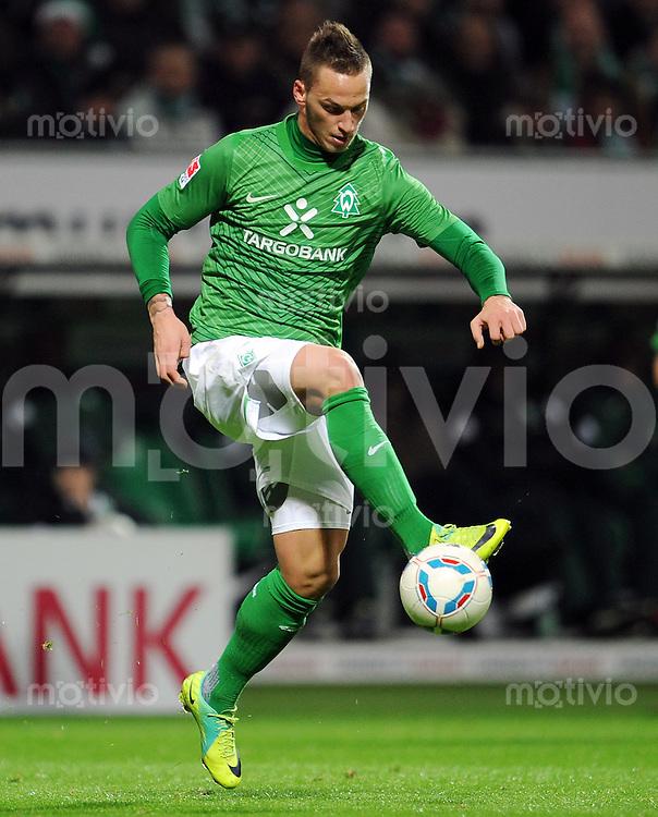 FUSSBALL   1. BUNDESLIGA   SAISON 2011/2012    16. SPIELTAG SV Werder Bremen - VfL Wolfsburg          10.12.2011 Marko Arnautovic (SV Werder Bremen) Einzelaktion am Ball