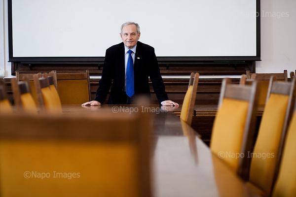 Warsaw, April 7, 2017:<br /> Stanislaw Koziej, Polish army general who recently lost his job is posing after class at the Warsaw University where he teaches.<br /> Photo by Piotr Malecki / Napo Images<br /> ******<br /> Warszawa, 7/04/2017:<br /> General Stanislaw Koziej, usuniety przez rzad PiS z wojska. Zdjecie wykonane na Uniwersytecie Warszawskim, gdzie general ma wyklady.<br /> Fot: Piotr Malecki / Napo Images