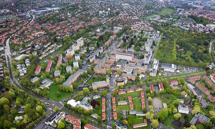 Oslo fra lufta, 20150519. Ullevål sykehus. Ullevål stadion oppe til venstre. Foto: Eirik Helland Urke