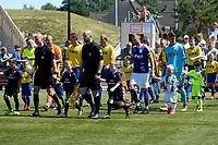 UITHUIZEN - Voertbal, RWE Eemsmond - FC Groningen, voorbereiding seizoen 2018--2019, 30-06-2018,  opkomst spelers met arbiter Siemen Miulder
