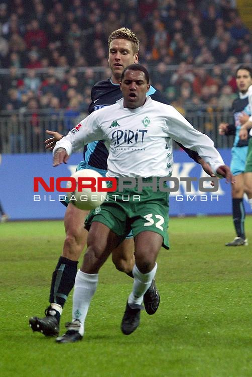 BL 2002/2003 - 20. Spieltag<br /> SV Werder Bremen vs 1860 Muenchen 1:2<br /> Kugelblitz Ailton<br /> Foto &copy; nordphoto <br /> <br />  *** Local Caption *** Foto ist honorarpflichtig! zzgl. gesetzl. MwSt.<br />  Belegexemplar erforderlich<br /> Adresse: nordphoto<br /> Georg-Reinke-Strasse 1<br /> 49377 Vechta