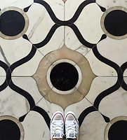 Floor: Wesley Grand in polished White Onyx, Calacatta, and Nero Marquina, is part of the Aurora® collection by New Ravenna.