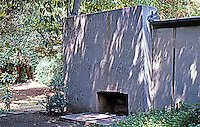 Rudolph Schindler: Schindler House--outdoor fireplace.
